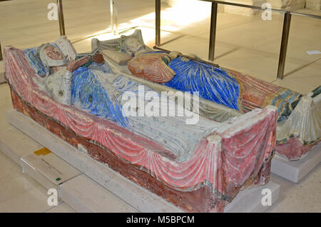 The tombs of King Henry II of England and his Queen Eleanor of  Aquitaine at Fontevraux Abbey - Stock Photo