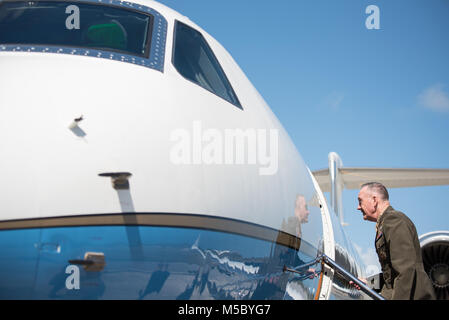 U.S. Marine Corps Gen. Joseph F. Dunford, Jr., chairman of the Joint Chiefs of Staff, boards a C-37A aircraft to - Stock Photo