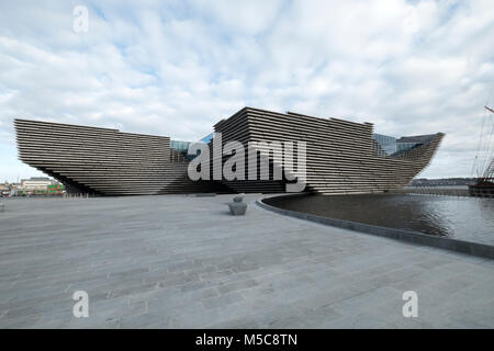 The V&A Museum of Design at the waterfront by the Firth of Tay Dundee Tayside Scotland UK - Stock Photo