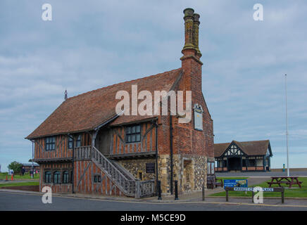 Aldeburgh Moot Hall was built in the early 16th Century and is a Grade I listed timber-framed building which has - Stock Photo