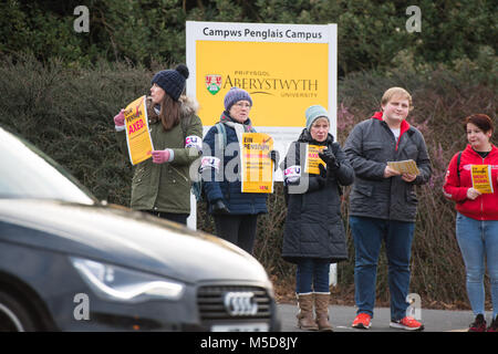 Aberystwyth Wales UK, Thursday 22 February 2018   UCU Strike : Members of the UCU (University and College Union) - Stock Photo