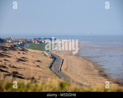 Minster on sea, Kent, UK. 22nd Feb, 2018. UK Weather: a bright and sunny day in Minster on sea but with a cold north easterly force 4-5 wind. Temp 4c, wind chill -1c. Credit: James Bell/Alamy Live News