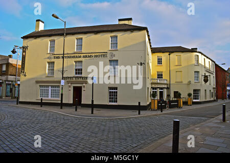 The Wyndham Arms Hotel, Bridgend,S.Wales. Now owned & operated by Wetherspoons. A Grade II Listed Building in the - Stock Photo
