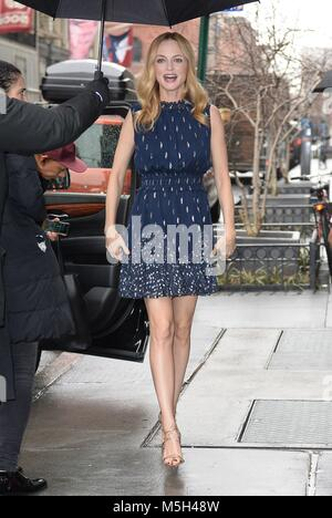 New York, NY, USA. 23rd Feb, 2018. Heather Graham, Build Series out and about for Celebrity Candids - FRI, New York, - Stock Photo