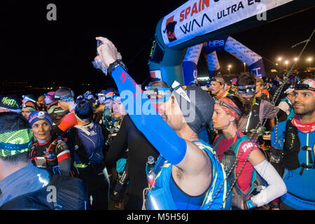 Las Palmas, Gran Canaria, Canary Islands, Spain. 23d February, 2018. More than a thousand runners, including some - Stock Photo