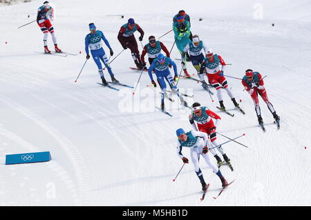 Pyeongchang, Russia. 24th Feb, 2018. PYEONGCHANG, SOUTH KOREA - FEBRUARY 24, 2018: Athletes compete in the men's - Stock Photo