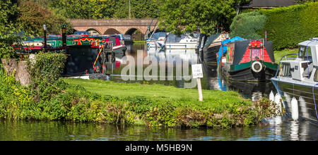 Moored Canal narrow boats on the Staffordshire & Worcestershire Canal at Greensforge. - Stock Photo