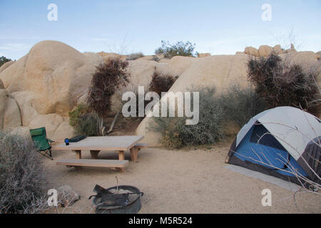 Jumbo Rocks Campground . Centrally located, Jumbo Rocks Campground offers great opportunities for scrambling around - Stock Photo