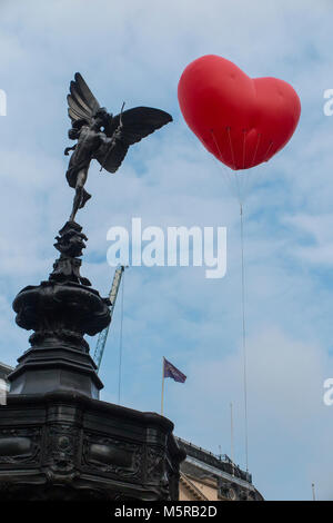 Anya Hindmarch's Chubby Hearts Heart Balloon on display in London for just one day - Stock Photo