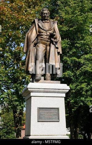 Statue Eilhard Mitscherlich, Jever, Niedersachsen, Deutschland. | Statue Eilhard Mitscherlich, Jever, Lower Saxony, - Stock Photo