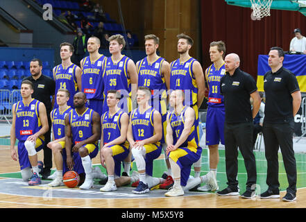 Kiev, Ukraine. 26th February 2018. National Team of Sweden pose for a group photo before the FIBA World Cup 2019 European Qualifiers game Ukraine v Sweden at Palace of Sports in Kyiv. Credit: Oleksandr Prykhodko/Alamy Live News
