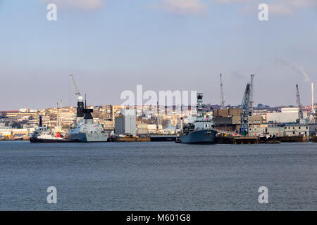 HMS Dragon (D35) and HMS Somerset (F82) moored at Devonport Royal Dockyard, Plymouth, Devon, UK Stock Photo
