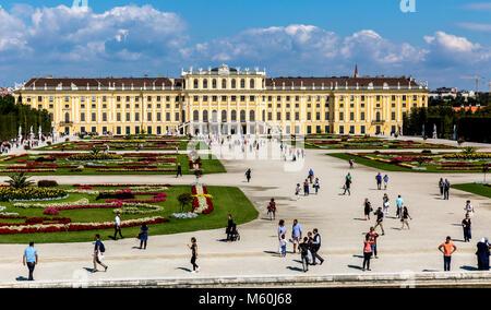 Schönbrunn Palace gardens, Schonbrunn, Vienna, Austria. - Stock Photo