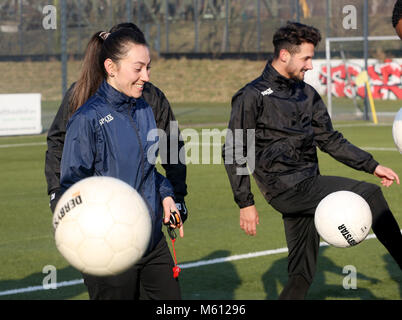 20 February 2018, Germany, Oberhausen: Duygu Erdogan (L), assistant coach of soccer club Rot-Weiss Oberhausen, supervises - Stock Photo