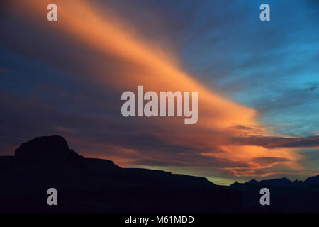Mojave Desert sunset from Hole in the Wall campground in California - Stock Photo