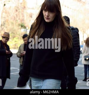 London, UK. 17th Feb, 2018. LONDON- 17 February 2018 Woman on the street during the London Fashion Week Credit: - Stock Photo