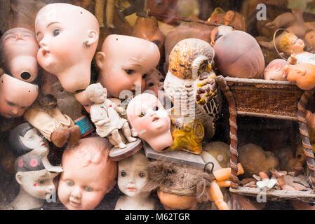 Ospedale delle Bambole (Doll Hospital). A hospital where antique dolls are given new life. Via di Ripetta near Piazza - Stock Photo