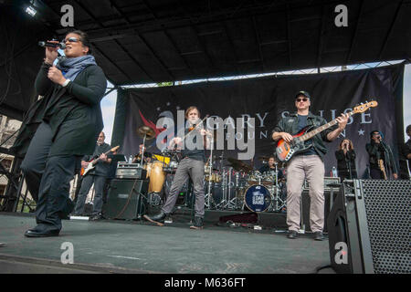 SAN DIEGO (Feb. 10, 2018) Hollywood actor and musician Gary Sinise and members of the Lt. Dan Band entertain wounded - Stock Photo