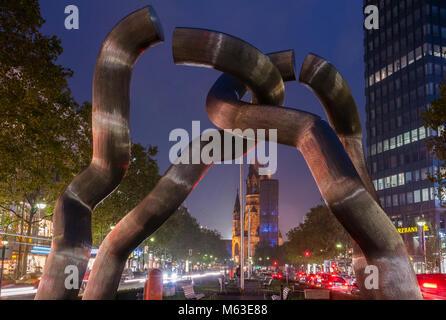 Berlin, Skulptur 'Berlin' mit Kaiser-Wilhelm-Gedächtniskirche, Berlin, Deutschland, Europa - Stock Photo