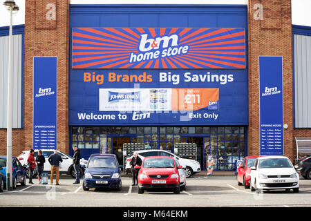 b&m home store large retail store in a retail park in the uk - Stock Photo