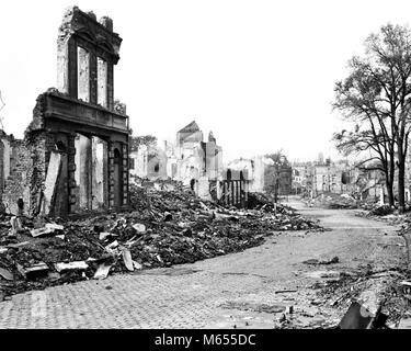 1940s RUINS OF AACHEN GERMANY DESTROYED BY ALLIED BOMBS AND WAFFEN SS AS A RESULT OF FANATIC NAZI DEFENSE - a3767 - Stock Photo