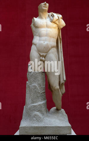 Trajan (53-117 AD). Roman emperor (98-117). Nerva-Antonine dynasty. Colossal heroic sculpture of deified Trajan. - Stock Photo