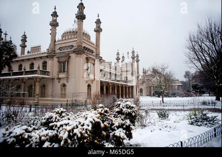 Brighton's famous Royal Pavilion and Gardens covered in snow as the freezing Siberian conditions turned the U.K. - Stock Photo