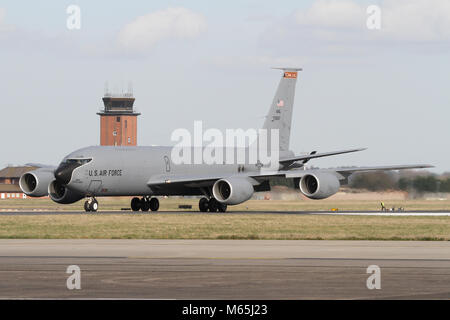 Tennessee Air National Guard Boeing KC-135R Stratotanker air-refuelling tanker rolling out on the RAF Mildenhall - Stock Photo