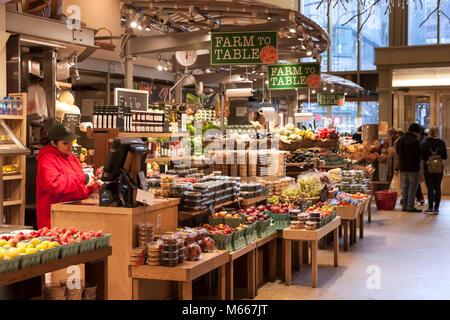 Eli Zabar's Market at Grand Central Market within the Grand Central Terminal, New York City, NY, USA. - Stock Photo