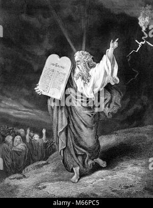 MOSES COMING DOWN FROM MOUNT SINAI WITH TABLET OF THE TEN COMMANDMENTS - q73007 CPC001 HARS JUDAISM LAWGIVER LEGEND - Stock Photo