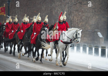 Horse Guards, London, UK. 1 March 2018. After overnight snow continuing into morning rush-hour, an Arctic wind empties - Stock Photo
