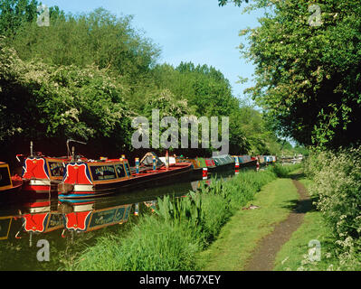 Narrowboats on the Grand Union Canal, near Stockton, Warwickshire - Stock Photo
