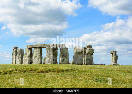 Stonehenge, a Neolithic ring of standing stones on Salisbury Plain, Wiltshire, England, UK.  Stonehenge became a - Stock Photo