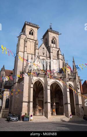 Notre Dame church Semur-en-Auxois Côte-d'Or Bourgogne-Franche-Comte France - Stock Photo
