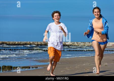 Running man couple race snsd