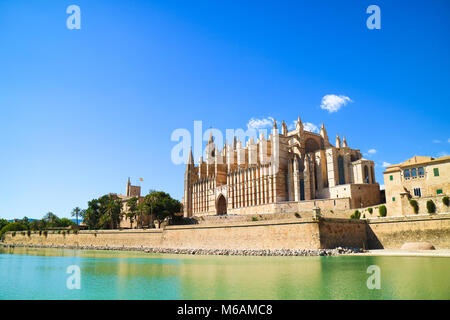 Palma de Mallorca, Spain. La Seu - the famous medieval gothic catholic cathedral in the capital of the island - Stock Photo