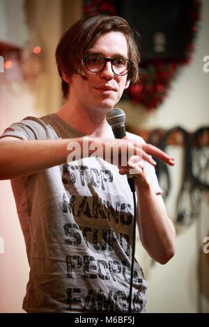 Alex Oliver, Stand Up Comedian, Performing Live © Clarissa Debenham / Alamy - Stock Photo