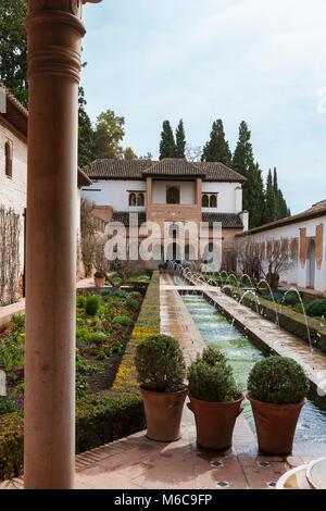 Patio de la Acequia, and the southern pavilion (Pabellón Sur), Palacio del Generalife, la Alhambra, Granada, Andalusia, - Stock Photo