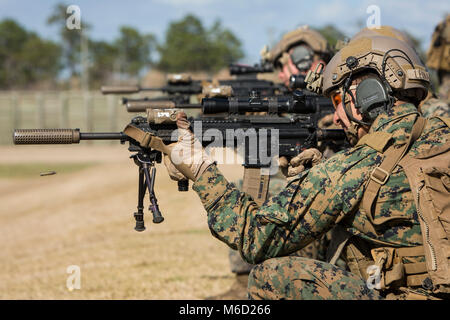 U.S. Marines with 3rd Battalion, 6th Marine Regiment, 2nd Marine Division (2d MARDIV), conduct a table 3 live fire - Stock Photo