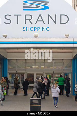 Bootle, Liverpool, UK. 2nd March 2018. Fire breaks out at the New Strand Shopping Centre in Bootle, Liverpool. The - Stock Photo