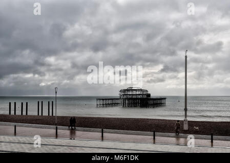 Brighton's burnt-out pier - Stock Photo