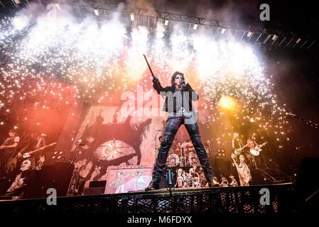 Toronto, Ontario, Canada. 2nd Mar, 2018. American shock-rocker ALICE COOPER and his all stars band performed sold - Stock Photo