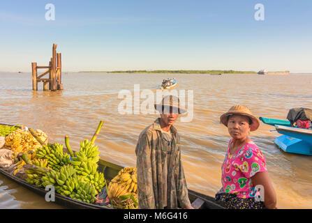 Mawlamyine (Mawlamyaing, Moulmein): ferry boat, banana cargo boat, Thanlwin (Salween) River, , Mon State, Myanmar - Stock Photo