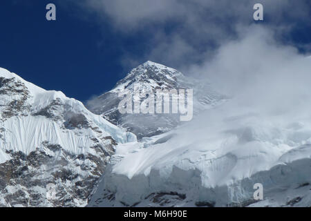 View of Mount Everest summit (8848 meters), seen from the Everest Base Camp trek, Nepal - Stock Photo