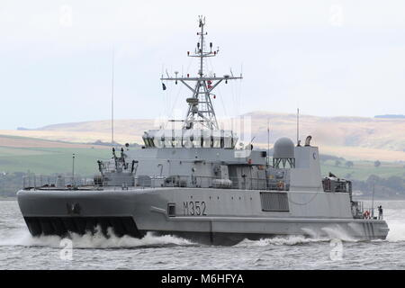 KNM Rauma (M352), an Alta-class minesweeper operated by the Royal Norwegian Navy, passing Greenock at the start - Stock Photo
