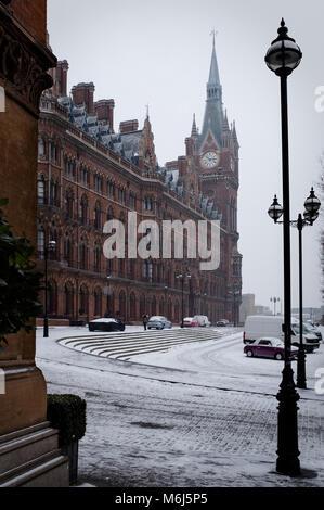 St Pancras Renaissance Hotel in the snow, Camden, London, UK - Stock Photo