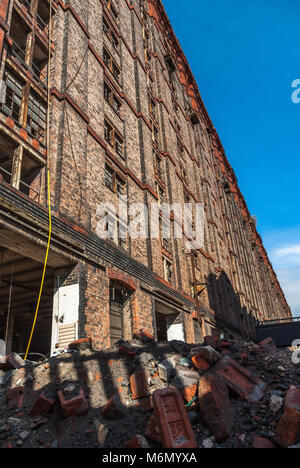 The Stanley Dock Tobacco warehouse in the process of redevelopment. The Stanley Dock Tobacco Warehouse is a grade - Stock Photo