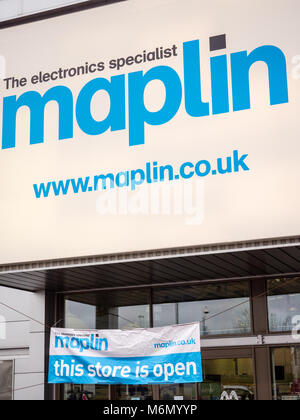 Maplin Electronic Store, Reading, Berkshire, England. - Stock Photo