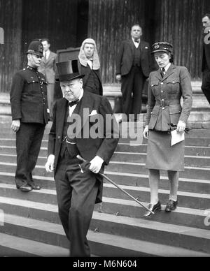 British Prime Minister, Winston Churchill with his daughter Sarah, leaving the memorial service at St Paul's Cathedral - Stock Photo