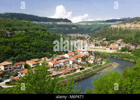 Overview of Veliko Tarnovo old town and Yantra river running through it. Veliko Tarnovo, Bulgaria - Stock Photo